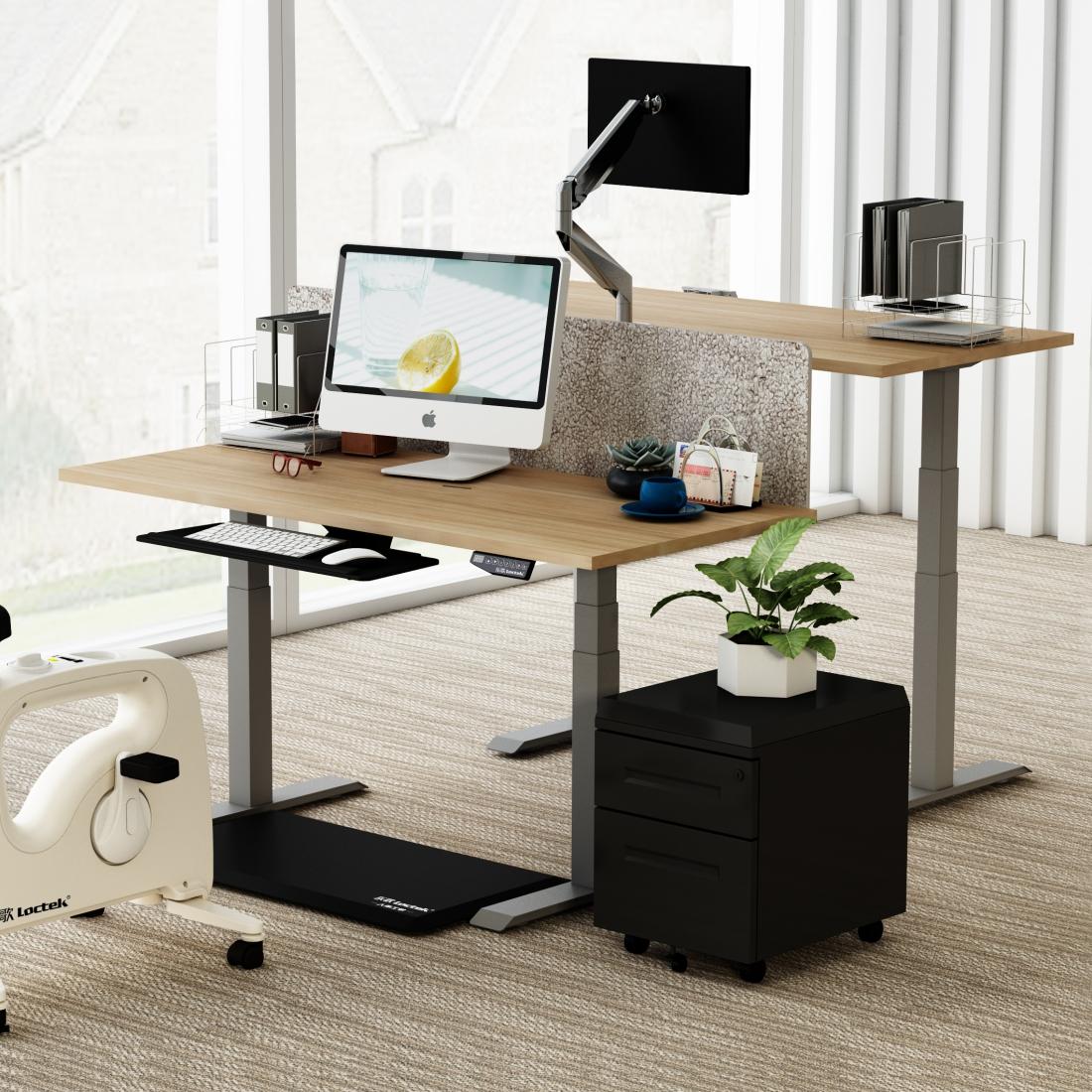 Stul s podnozi DEF223 2 - Delso - dětský, kancelářský a bytový nábytek